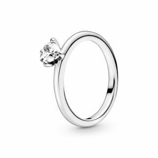 Prstan z enim prozornim kamnom v obliki srca