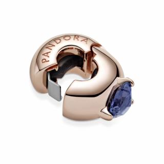 Sponka z modrim kamnom v obliki srca