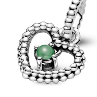 Viseči obesek srce s perlicami v zeleni barvi deževnega gozda