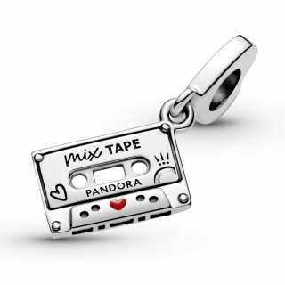 Obesek z vintage kaseto