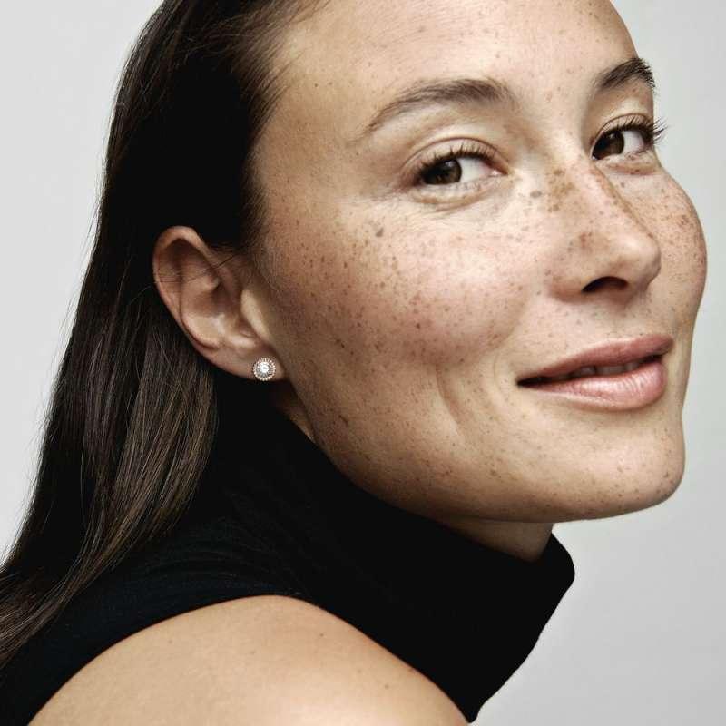 PANDORA Rose uhani klasična eleganca