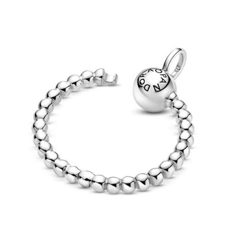 Obročasti O-obesek Pandora Moments z majhnimi perlicami