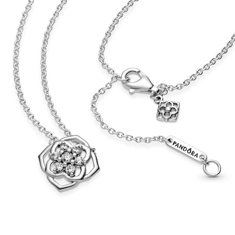 Ogrlica z obeskom listov vrtnice