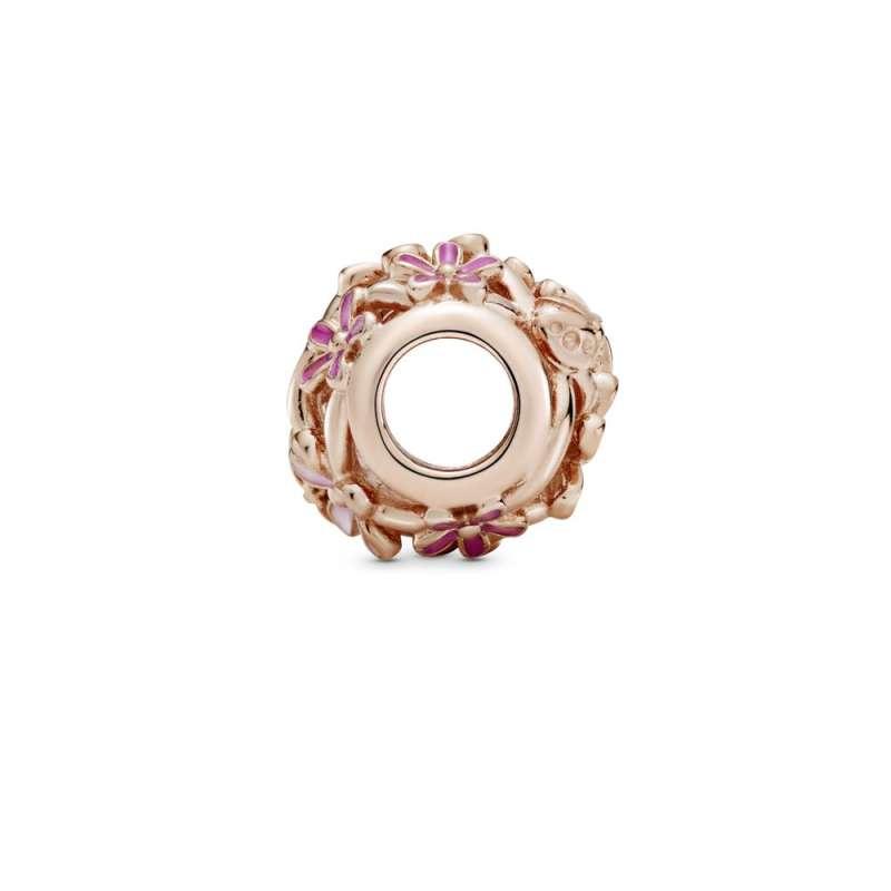Obesek z izrezljanimi rožnatimi marjeticami