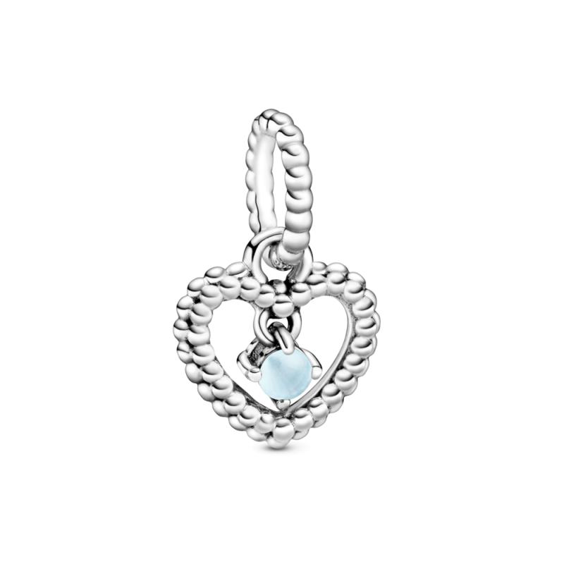 Viseči obesek srce s perlicami v nebeško modri barvi