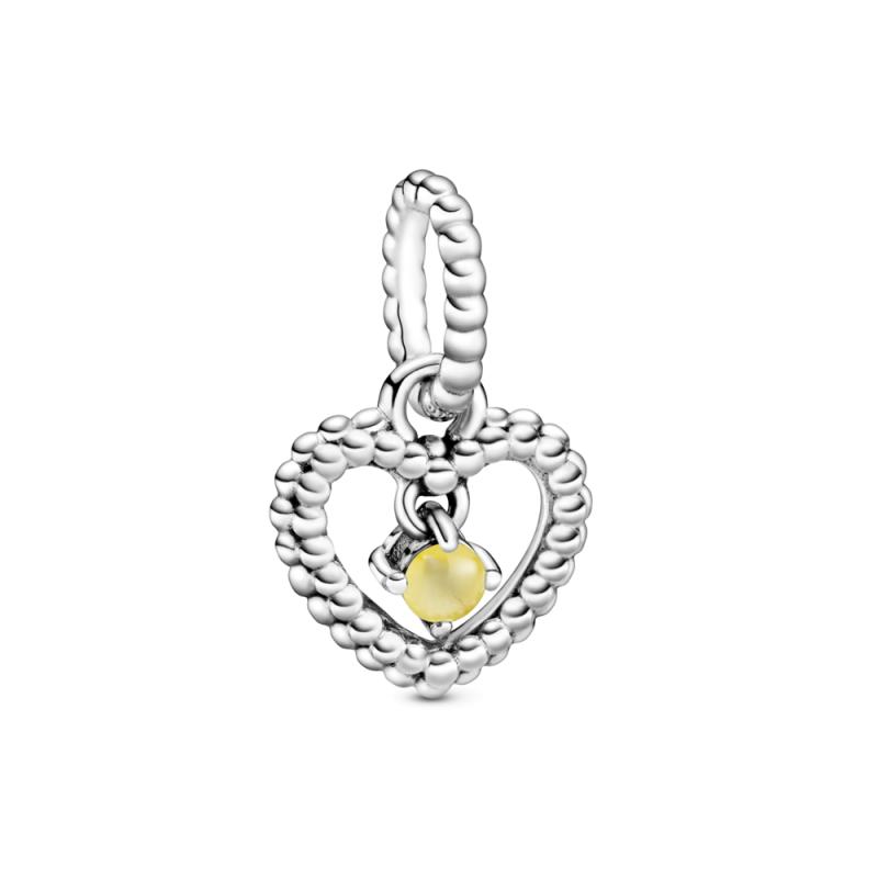 Viseči obesek srce s perlicami v barvi medu