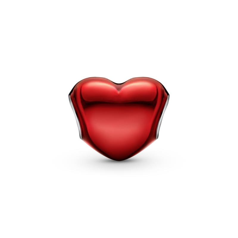 Obesek s kovinsko rdečim srčkom